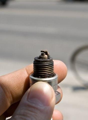 testing spark plug